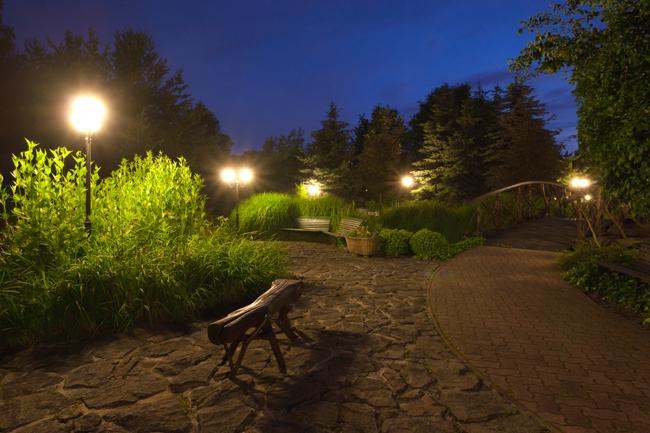 Lampioni da giardino fai da te in giardino - Prezzi alberi da giardino ...