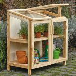 Costruire un sostegno per le piante rampicanti con tondini for Costruire serra legno