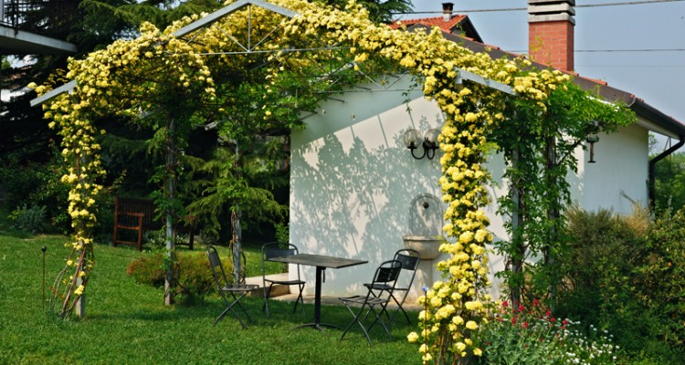 Giardino di campagna con orto e frutteto dove prima for Ristrutturare casa di campagna fai da te
