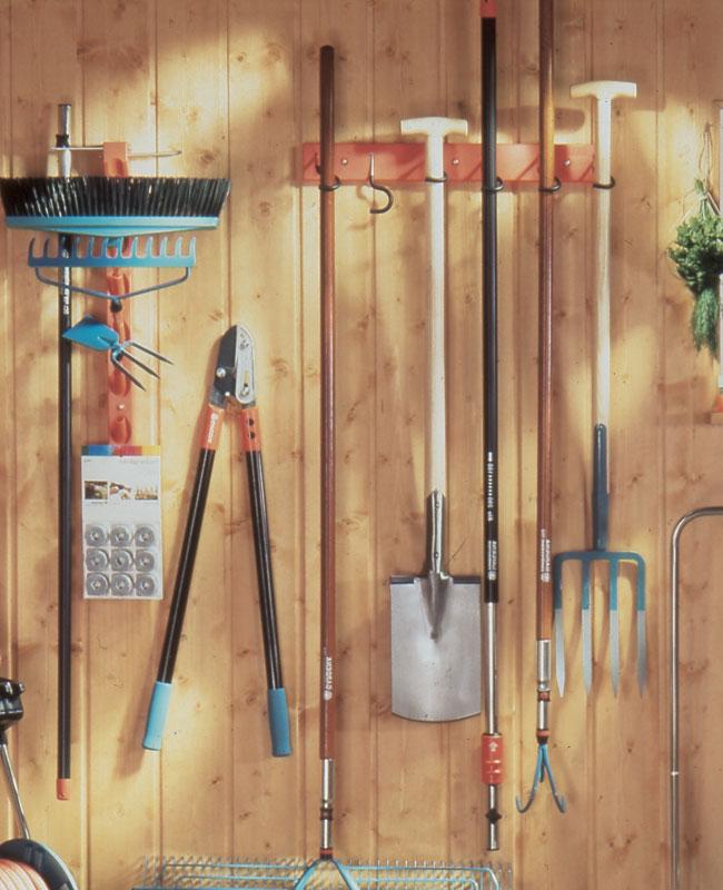 Attrezzi a manico lungo da giardino fai da te in giardino for Cerco casetta in legno da giardino usata
