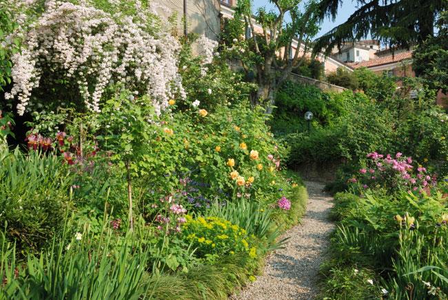 progettare un giardino a terrazze fai da te in giardino