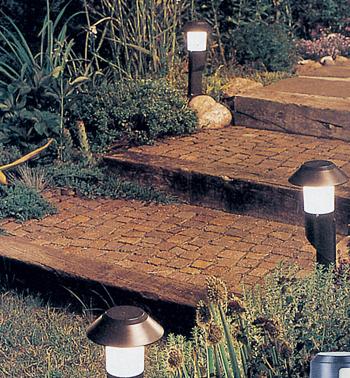 Lampioni da giardino fai da te in giardino - Scala da giardino ...