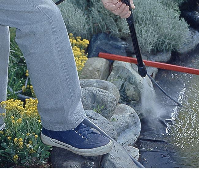 Manutenzione laghetto artificiale fai da te in giardino for Pesci finti per piscina