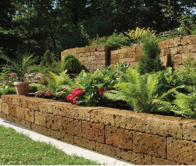 Come stabilizzare una scarpata fai da te in giardino - Muretti per giardino ...