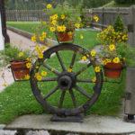 Carriole cariche di fiori