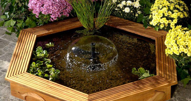Rivestimento Divano Fai Da Te : Fontana da giardino ecco come realizzarla in legno fai te