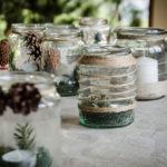 Creare l'atmosfera natalizia con fiori e rametti