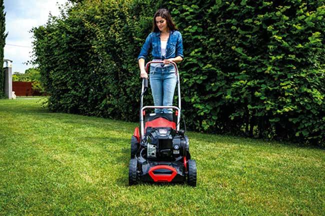 tagliare l'erba senza sforzo